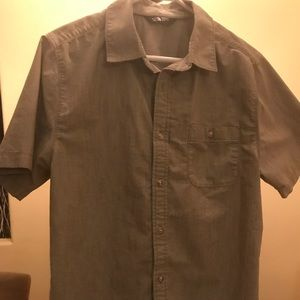 2 Men's North Face shirts
